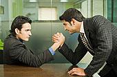 两个,商务人士,掰腕子,办公室