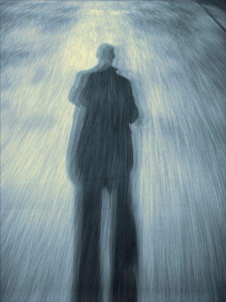 神秘的男人的影子