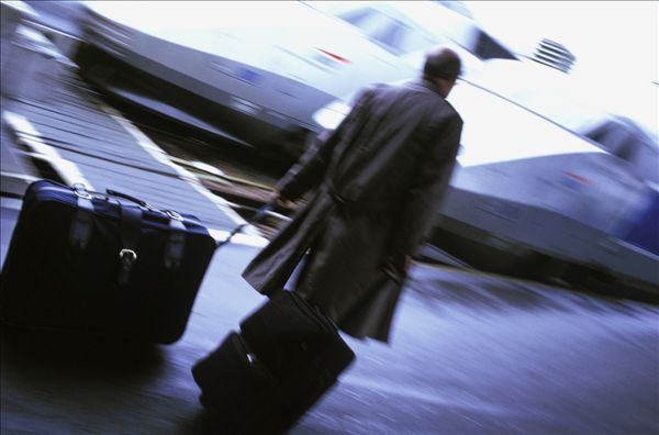 标题: 行李 标签: 列车,巴黎,法国,火车,火车站,特效,男人,码头,背影,行李,里昂,高速 描述: 列车,巴黎,法国,火车,火车站,特效,男人,码头,背影,行李,里昂,高速 英文描述: 列车,巴黎,法国,火车,火车站,特效,男人,码头,背影,行李,里昂,高速 摄影师: Jacques Loic/Photononstop 图片编号: pnsexp277477 版权属性: 肖像权(不需要肖像权) 授权类型: 版权管理类(RM)图片 最大尺寸: 27M(RGB),3780x2500像素