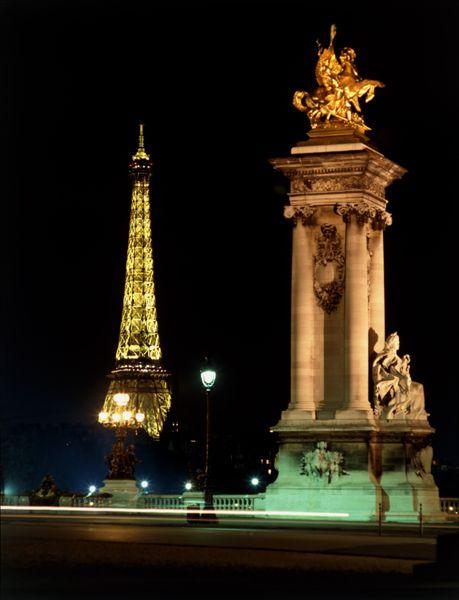 金色埃菲尔铁塔最美风景图