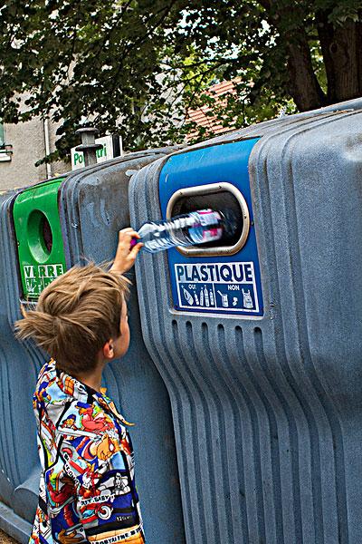 法国分类垃圾桶