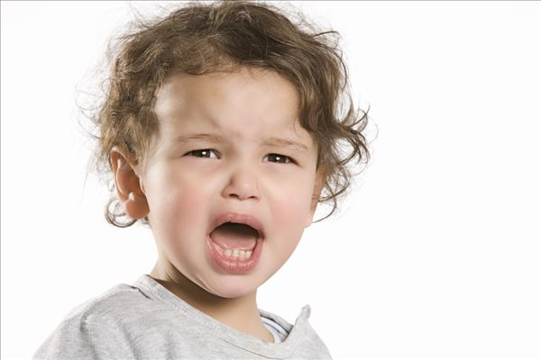 全景图片网:小女孩,哭