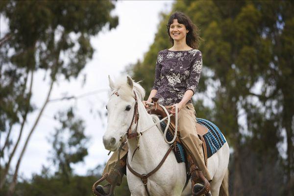 全景图片网:女人 骑马
