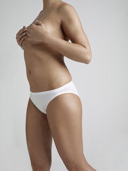 全景图片网:裸露上身 女人