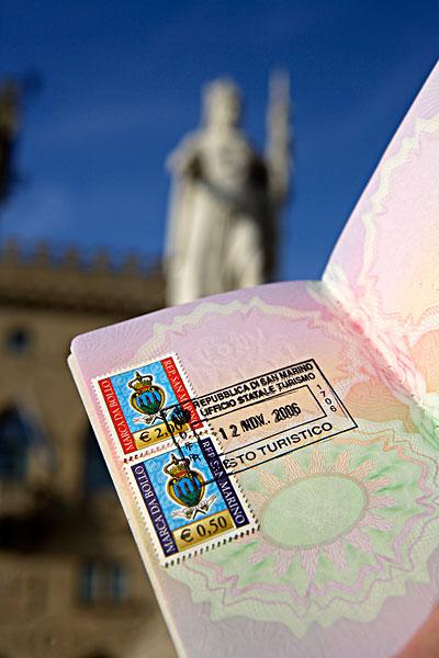 rad600-03738834s [rf]玩具飞机,护照,地图相似收藏下载分享购买
