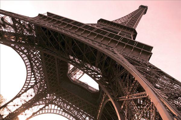 标题: 法国巴黎埃菲尔铁塔 标签: 旅行,旅游,观光,青铜 描述: 法国巴黎埃菲尔铁塔 英文描述: Eiffel Tower Paris France 摄影师: Chris Warren 图片编号: sps1901-1459 版权属性: 肖像权(有肖像权) 授权类型: 版权管理类(RM)图片 最大尺寸: 51M(RGB),5197x3458像素
