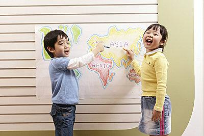 韩国的孩子在幼儿园