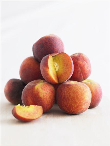 有一群猴子分一堆桃子