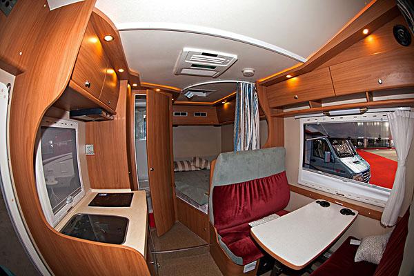 房車內部攝影圖__交通工具圖片