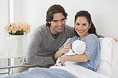 西班牙裔,伴侣,拿着,婴儿,病床