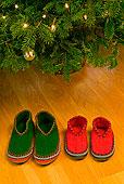 两个,拖鞋,圣诞树