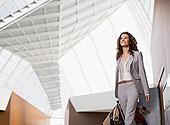 微笑,职业女性,手提箱,机场