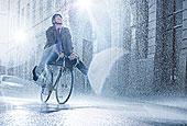 商务人士,骑自行车,下雨,街道