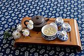 茶具、菊花