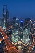 繁华的上海浦东陆家嘴俯视景观