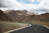 驾驶道路西藏高原