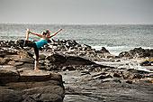 女人,练习,瑜珈,岩石上,排列