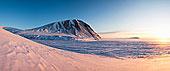 山,河,雪景