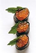 寿司,三个,鱼子酱