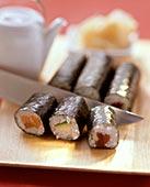 寿司卷,三文鱼,黄瓜,金枪鱼