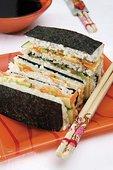 寿司,三明治,三文鱼,蔬菜馅