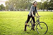 女青年,自行车,公园
