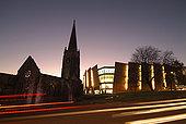 英格兰,德文郡,普利茅斯,模糊,交通,穿过,教堂,环岛,黄昏