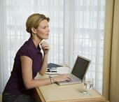 职业女性,打字,笔记本电脑