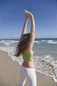 女人,伸展,海滩