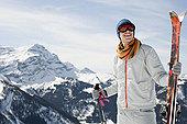 男人,山,拿着,滑雪