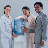 微笑,商务人士,冷水机,办公室