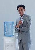 商务人士,喝,冷水机,办公室